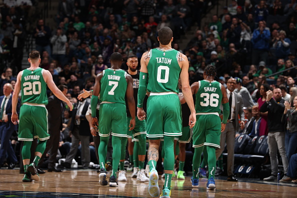 The Celtics had 4 25-pt scorers tonight for just the 2nd time in franchise history:  Hayward (29), Tatum (28), Theis (25), Brown (25)  According to @EliasSports , the other time that happened?  Jan. 20, 1960: Tom Heinsohn (43), Bill Russell (26), Bob Cousy (25), Bill Sharman (25) pic.twitter.com/4E493nYZ6v