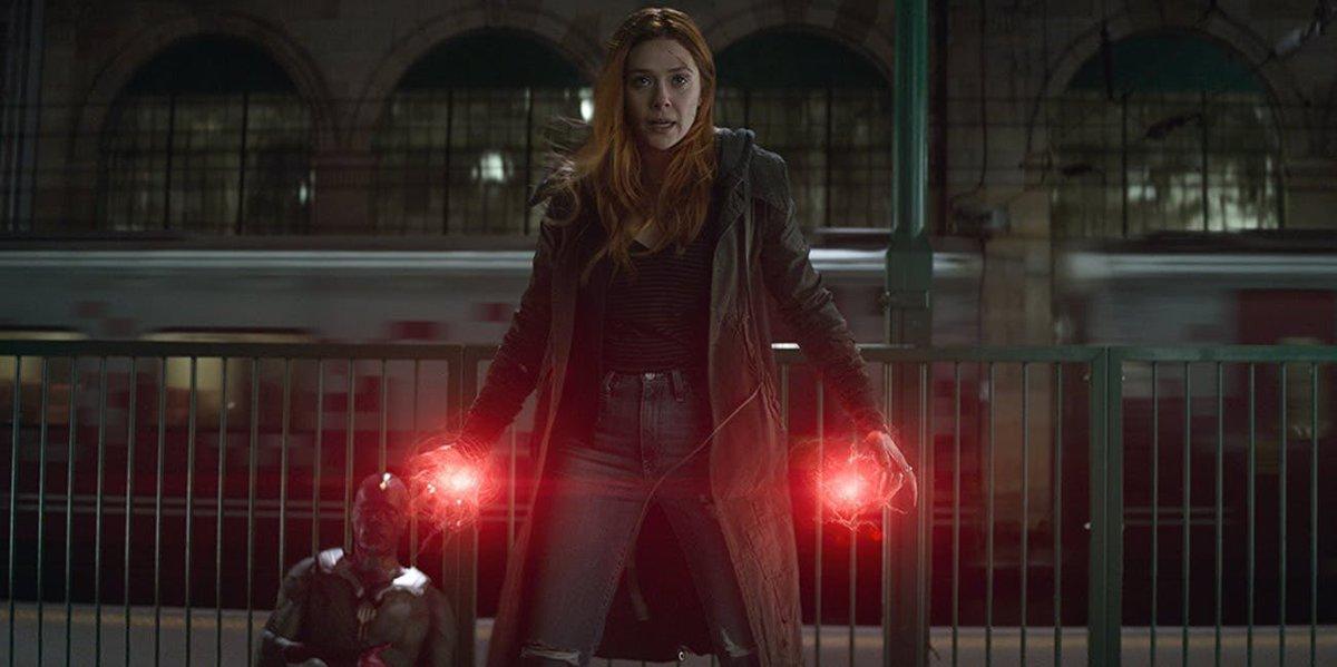 Na cena em questão, podemos ver um metrô passando atrás dos dois e é o único momento de #AvengersInfinityWar onde vemos o veículo. Assim como outros momentos revelados envolvendo os dois, essa arte possivelmente deveria fazer parte de algum rascunho do roteiro. pic.twitter.com/SnpCbEOZZb