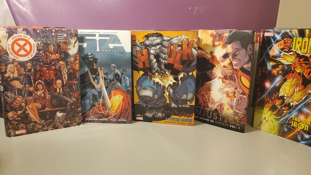 Omnibus Haul  Video-https://m.youtube.com/watch?v=obic-CM8Elg… #batman #dccomics #justiceleague #superman #robin #wonderwomn #joker #shazam #harleyquinn #poisonivy #catwoman #rasalghul #adisnukic #namor #captainamerica #submariner #avengers #avengersendgame #avengersinfinitywar #blackpanther #comicpic.twitter.com/leQ4PBknja