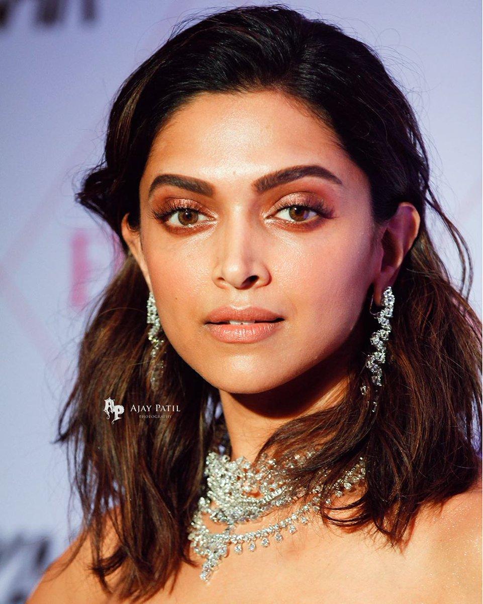 30 Lista celor mai pline de farmec ale actriței din Bollywood - Modă -