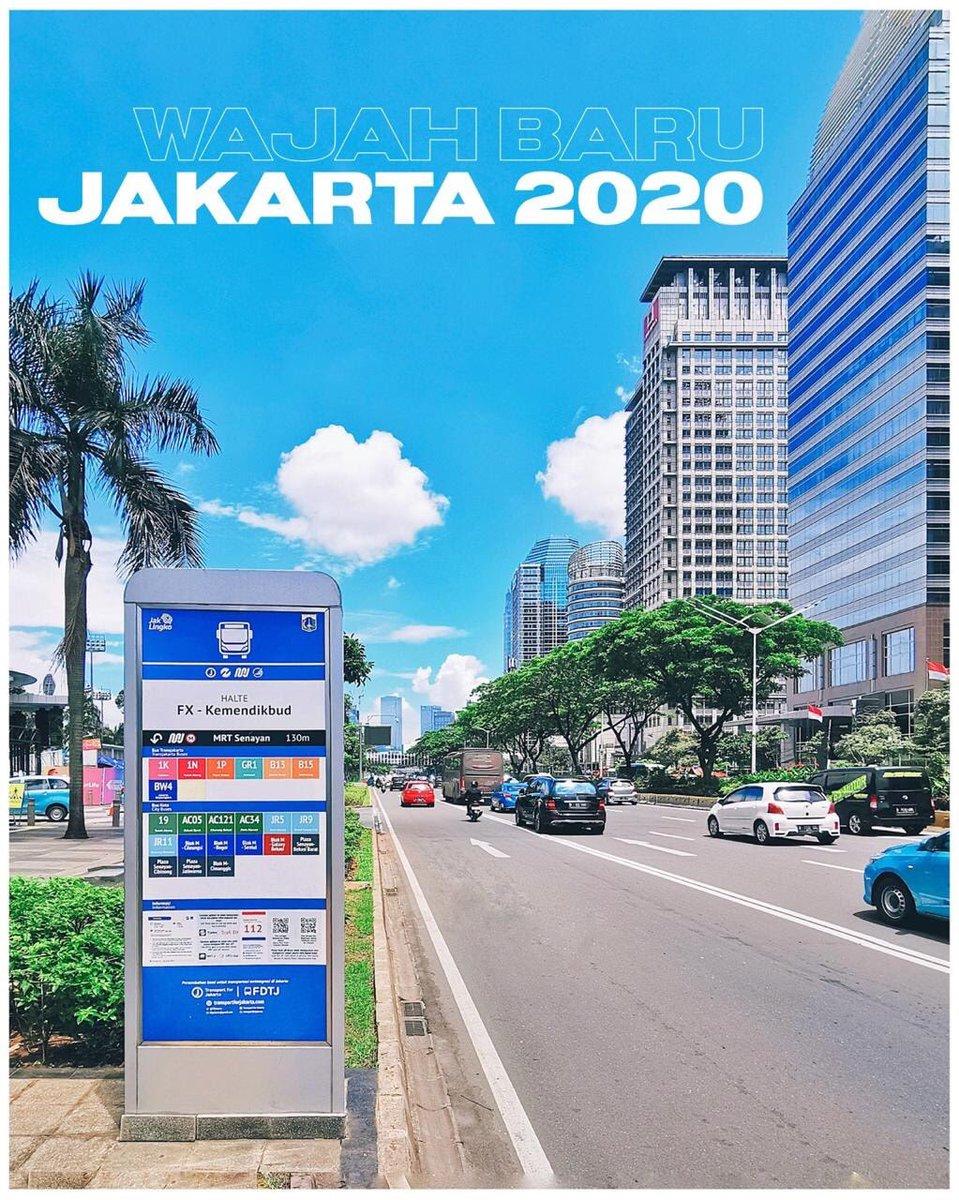 Tengoklah foto-foto ini, ada biru di langit Jakarta. Itulah pemandangan rutin di Jakarta pada beberapa pekan belakangan ini.  Ajak teman, tetangga, dan saudara.... berjalan, bersepeda menikmati #WajahBaruJakarta.   Selamat menikmati akhir pekan, semoga selalu dalam keberkahanNya. https://t.co/xNQqu7iVcd