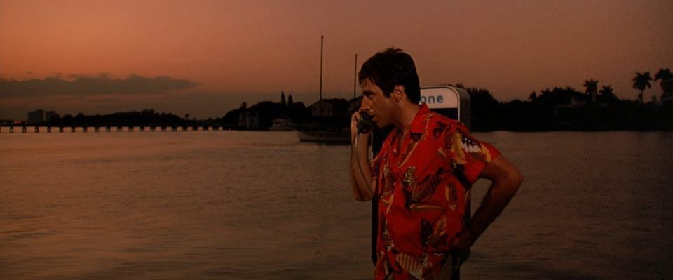 SCARFACE (1983)   Cinematography by John A. Alonzo  Directed by Brian De Palma Explore more shots in our database: http://bit.ly/2JtQeSGpic.twitter.com/G1wgY9VNMi