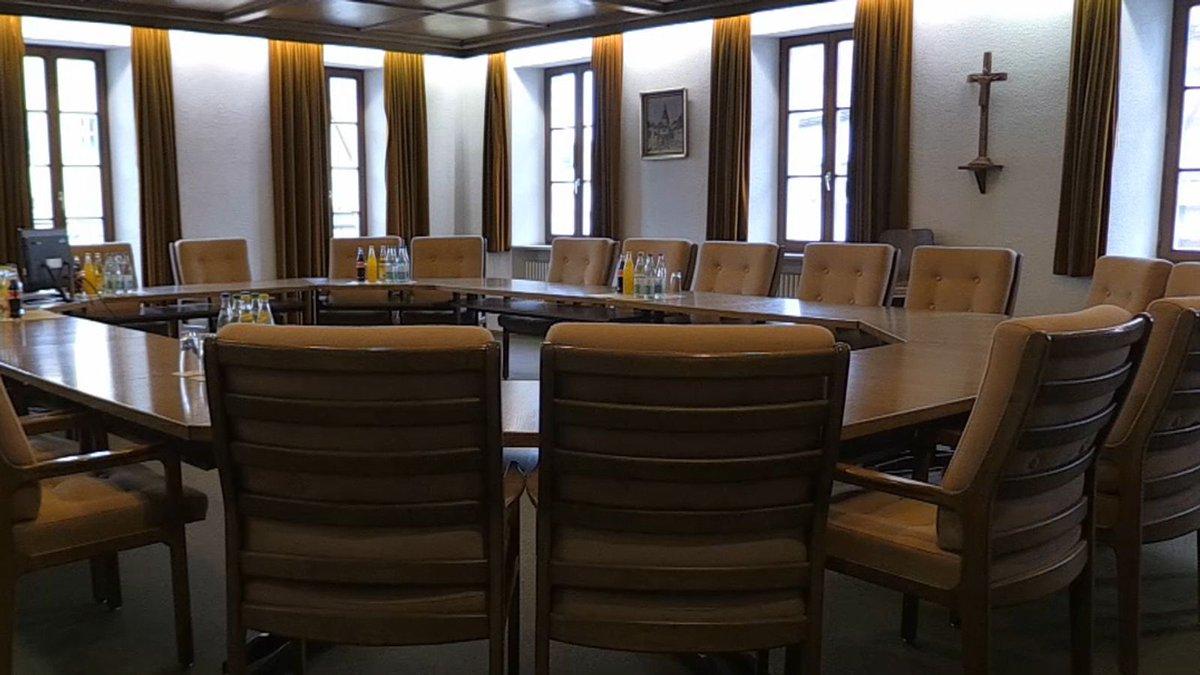 Schwierige Suche: Weniger Stadtratskandidaten in Leutershausen http://dlvr.it/RQXHky #frankenpic.twitter.com/NDa35L9VEu