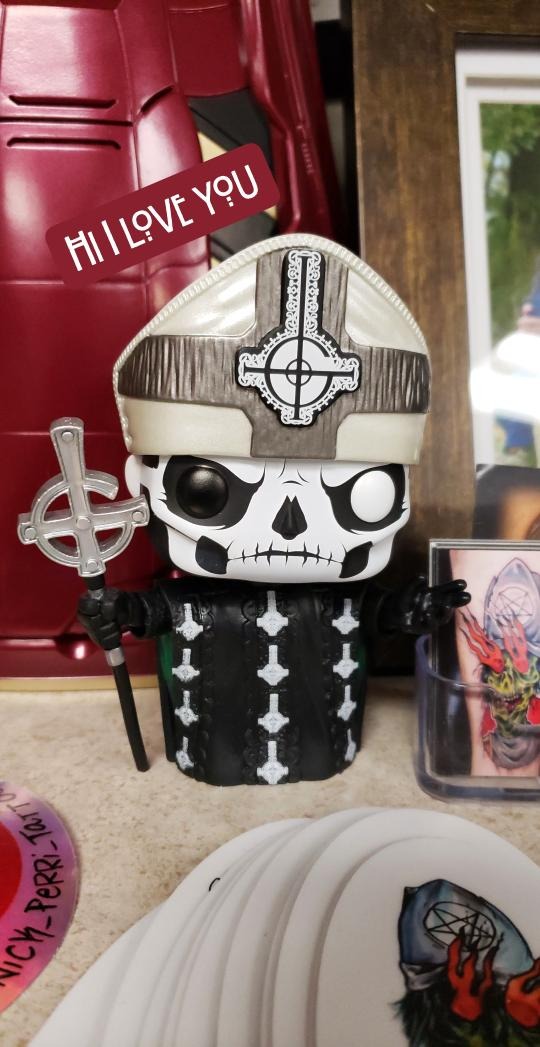 The Dark Horde scare curator. Use #darkhorde to join the darkness. RT @deadly_vu: Um also my artist has a #papaemeritus pop at his station and I love him so much. #ghost #ghostband #thebandghostpic.twitter.com/fNIpTm4zHa