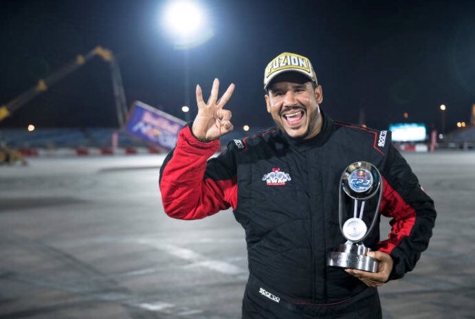 Refaat Al Yehyai secures a hatrick win in the #RedBullCarParkDrift Oman qualifiers from 2017-2019. Who will claim 2020 crown? 5 more days to go! 🚘💨💥 👑 🥇 📷: @jamesbringas