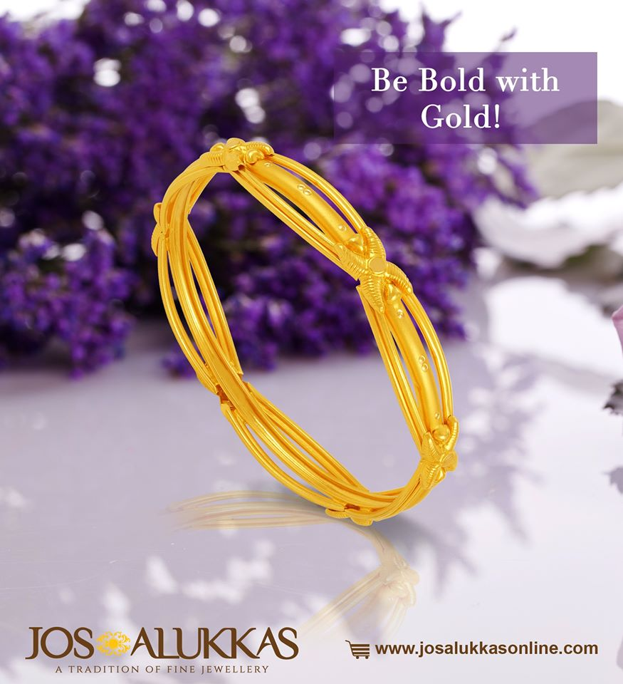 Geometrical patterns lend this bangle a quiet charm. Watch its brilliance as it catches the light.Bring a slice of royalty and grandeur to your accessories. Check out these gorgeous Gold bangles @  #josalukkas #goldbangle #goldjewellery #SaturdayThoughts