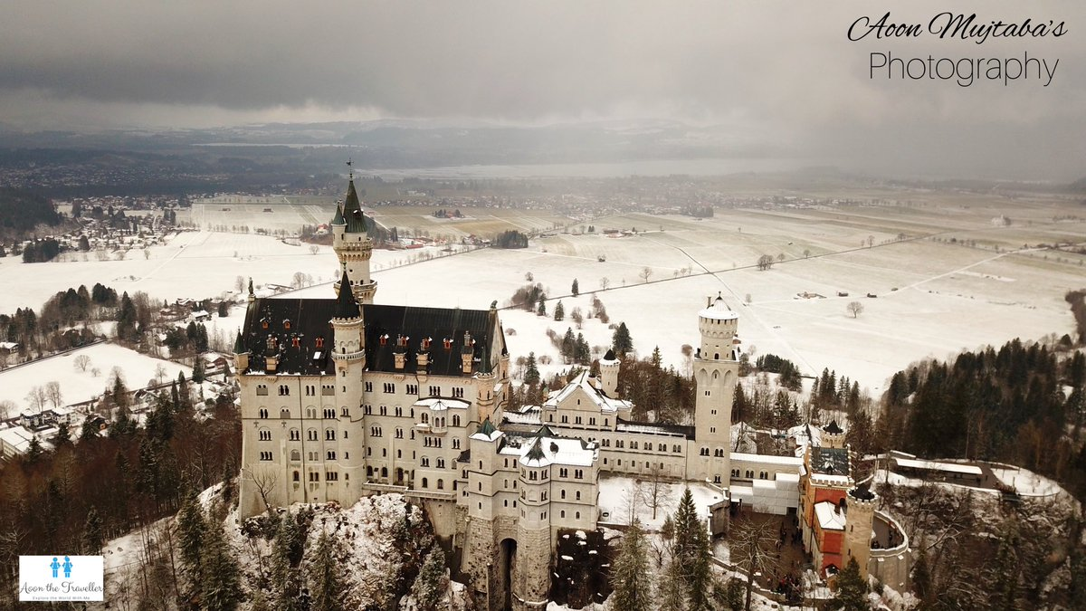 Covering the Most beautiful Castle in the World, #NeuschwansteinCastle  in Snow   .. #Traveller #neuschwanstein #neuschweinstein #disneycastle #disneycastles #schlossneuschwanstein #Bavaria #Bayern #VisitBavaria #bavariagermany #bavarianbeauties #germany#germanytourism pic.twitter.com/cd7fHBKgqu