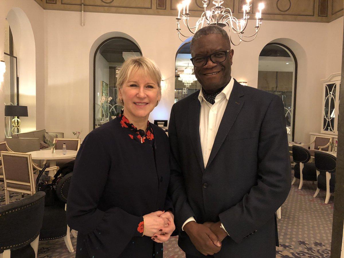 Fint möte med Nobelpristagare Dénis Mukwege. Han startar tillsammans med Nadja Murad en fond för att hjälpa våldtäktsoffer. Behoven ser olika ut men fonden blir mycket viktig för att skapa rättvisa och upprättelse för tusen och åter tusen kvinnor världen över.