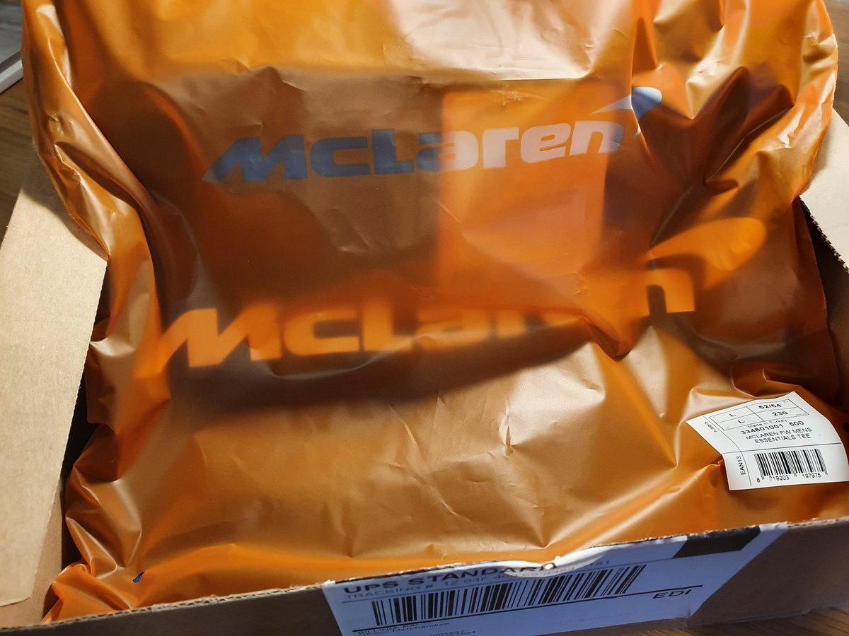Parcel from @McLarenF1 at the end of a busy week at work #MCL35 #FearlesslyForward