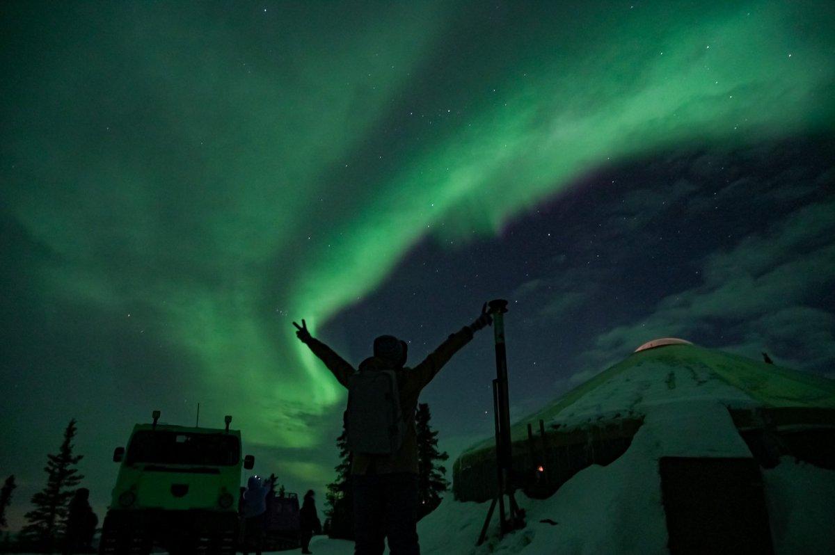 残念だったな 私は今、北極だ  #よりもい #宇宙よりも遠い場所 #よりもい聖地巡礼旅 #北極 https://t.co/iUZTy7P69O