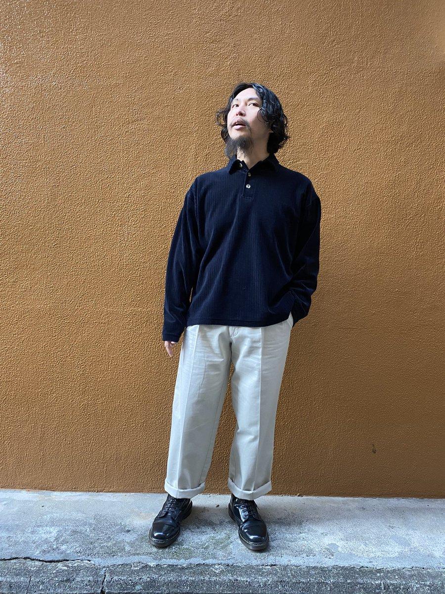 Corduroy Pullover Shirts2 Tack Chino PantsDr.Martens 8 hole Boots太ウネのコーデュロイシャツすごく着心地の良いプルオーバーあまり見かけないこのタイプラフなのに大人っぽいいい雰囲気です