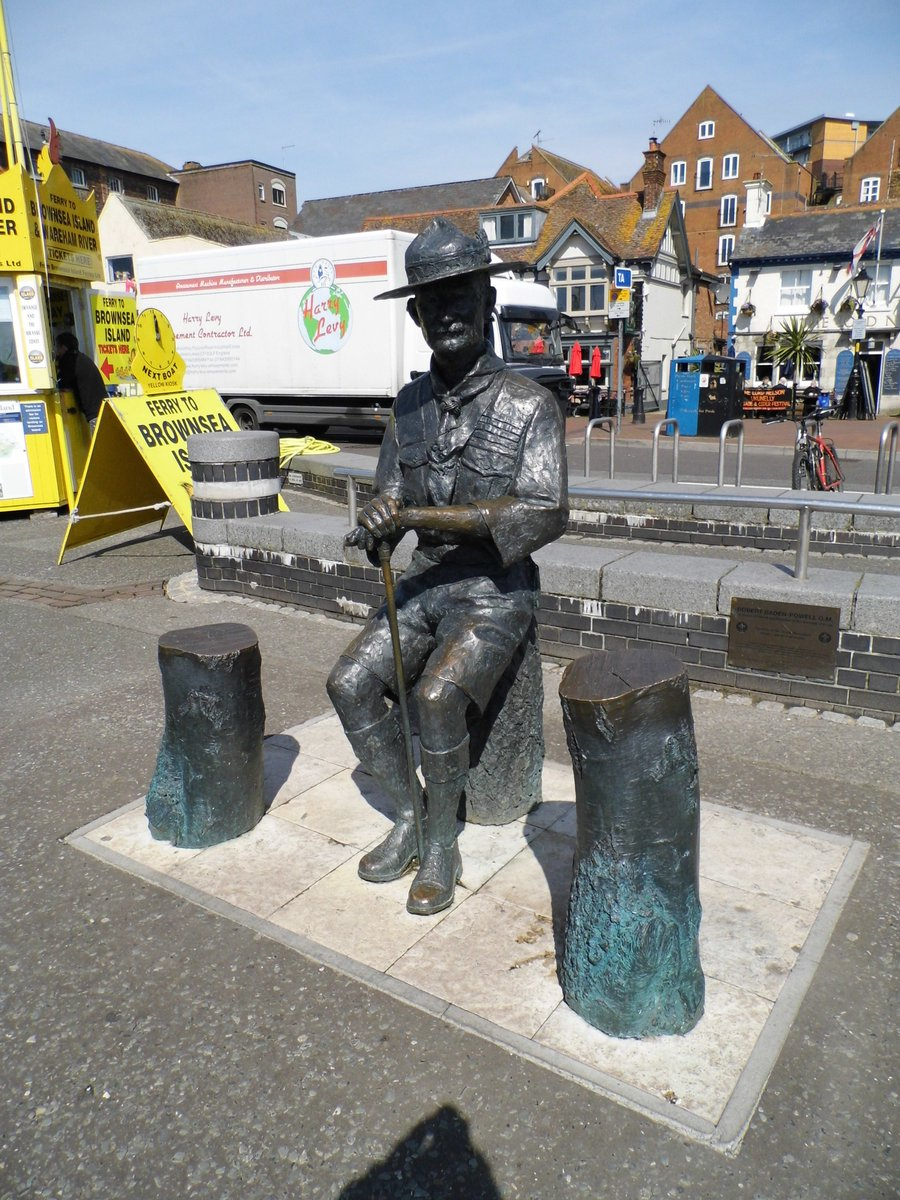 Robert Baden-Powell, born on this day in 1857 - British Army officer & founder of the Boy Scout movement. Here he is on Poole Quay, looking across at Brownsea Island where it all began #Poole #History #scouting