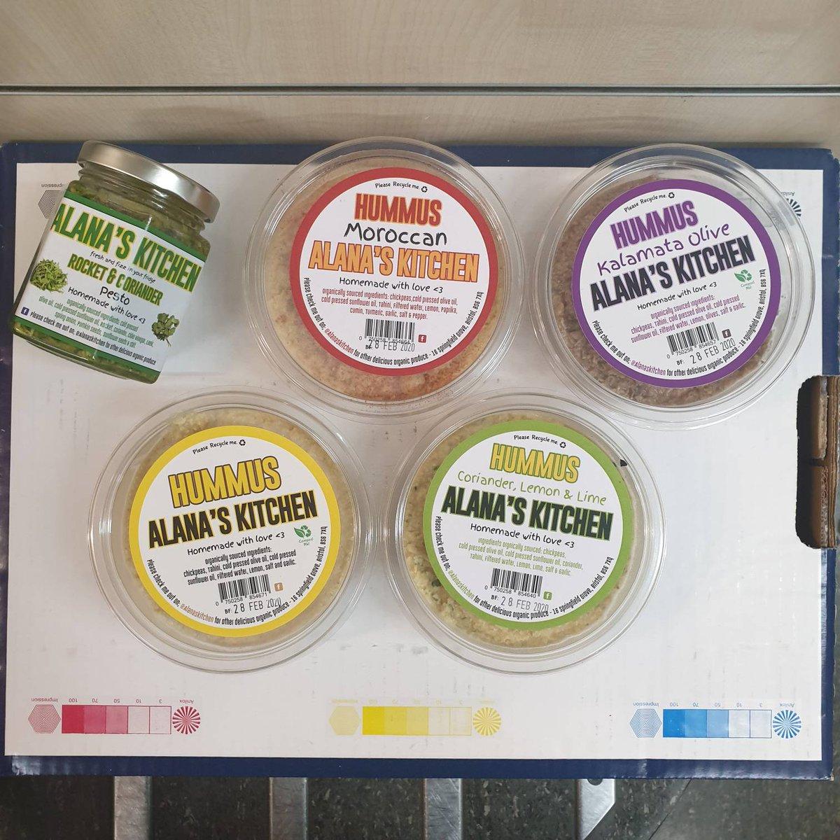 Hummus from Alana's kitchen, tastes amazing . #Deliciously Different . . . . .  #rawfood #vegan #raw #healthyfood #rawvegan #plantbased #organic #detox #rawfeeding #healthy #veganfood #healthylifestyle #vegetarian #glutenfree #barfdiet #rawmeal #superfood pic.twitter.com/pKk4kTPFcj