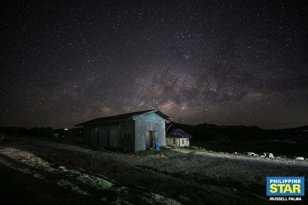 'STARRY NIGHTS'  LOOK: The galactic center of the Milky Way is seen in the skies of Atok, Benguet early Saturday morning.