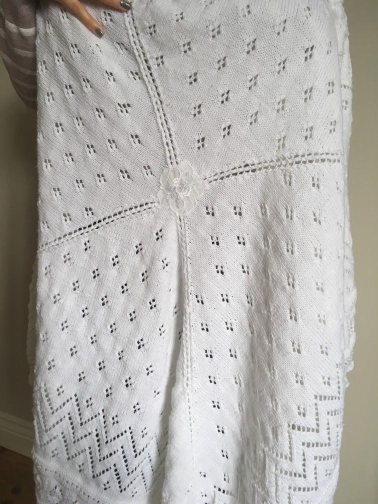 The very best baby shower gift - hand knitted shawl for a special little person. https://www.etsy.com/uk/shop/ScottishKnitwear… #etsy #Shop_Scotland #babyshower #babyshawl #womeninbiz #ScottishCraftHourpic.twitter.com/9jetHA7hVx