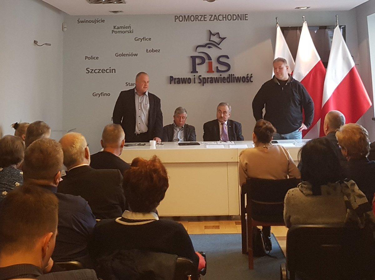 Zarząd Okręgowy Prawa i Sprawiedliwości okręgu Szczecińskiego. Mobilizacja, koordynacja, ciężka praca. #Duda2020 Działamy @PiS_ZachPomors @pisorgplpic.twitter.com/X3TP6kHs6X