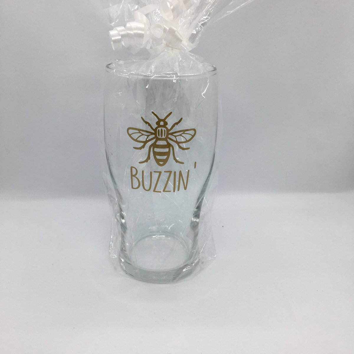 It's no surprise we love the  over here at beecreative    They make a great gift- or just because #UKGiftAM  #ukgifthour #handmadebyme #etsyshop #etsyfinds #handmadeuk  https://www.etsy.com/uk/listing/743665728/manchester-bee-pint-glass?ref=shop_home_active_5 …pic.twitter.com/x1ETez2mOS