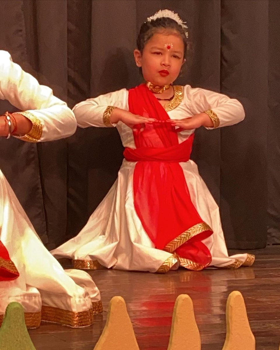 Ziva performing traditional dance in her school. <br>http://pic.twitter.com/MLUPNjzBtD