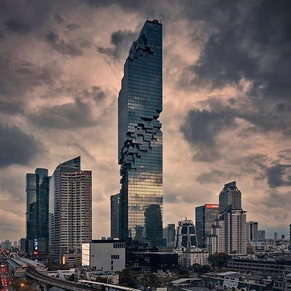 314m (1030ft) MahaNakhon Tower, Bangkok. #Photogragh #Photoshoot #cityscape #citylife #cool #skyscraper #Thailand #Bangkok #skylines #architecture #architecturephotography