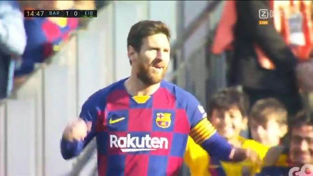 Even genieten van Messi 😍 Wat een heerlijk doelpunt 🤤  #BAREIB #LaLiga #ZiggoSport https://t.co/f57LUHX8aT