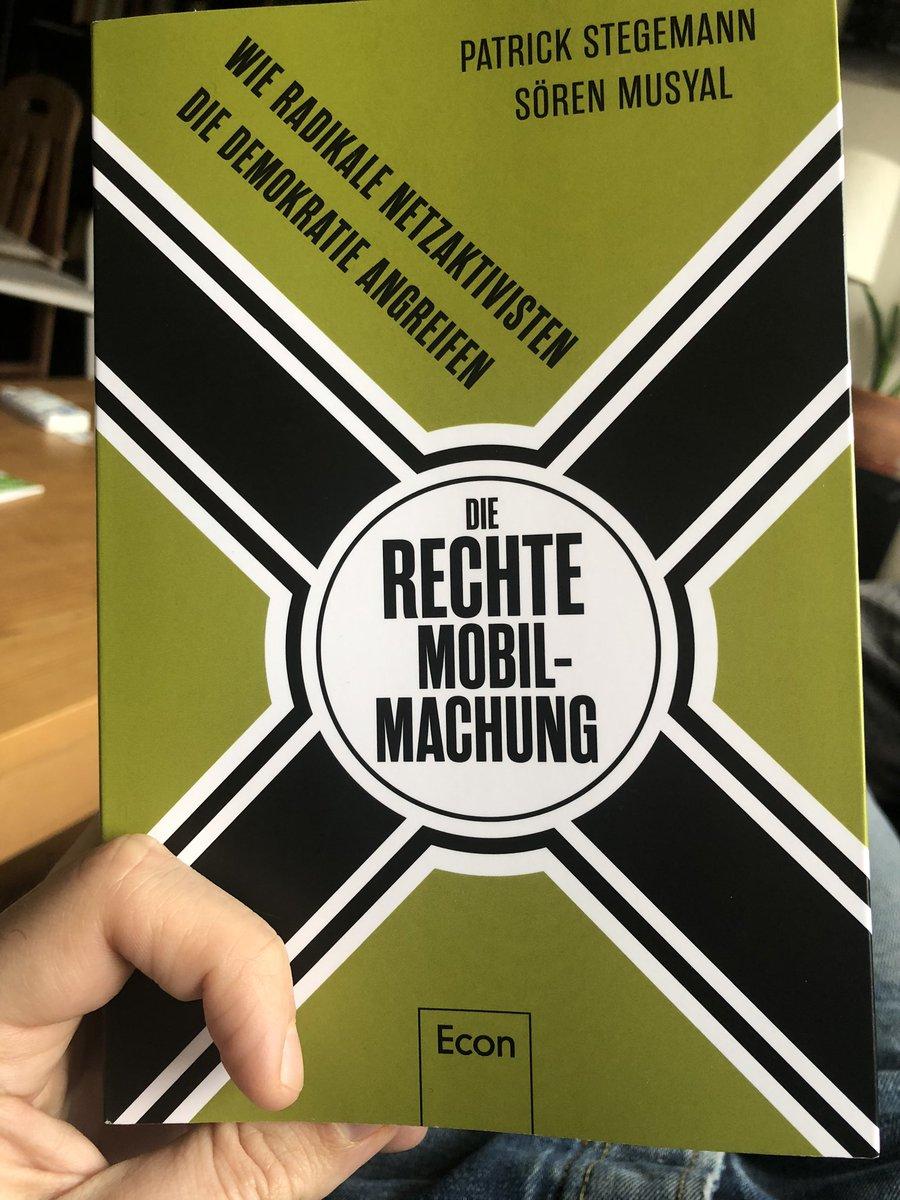Verstehen lernen, zum #gegenhalten. Danke, @petterich und @smusyal. Absoluter Lesetipp. Am 13.3. in #Trier zu Gast. #hanau #fckafd #RechterTerrorpic.twitter.com/lSR7sJSqPi