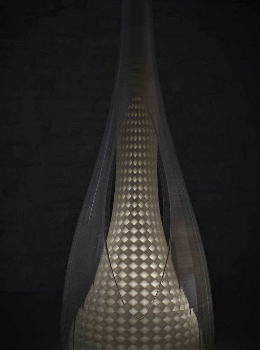 Creative artistic structures can be created when you merge different 3d printing technologies. The artist here has merged SLA and FDM 3d printing to create a chandelier part. #3dprinted #lamp #customized #3dprinter #lampdesign #tech #homedecor #additive #manufacturing #vexmatech