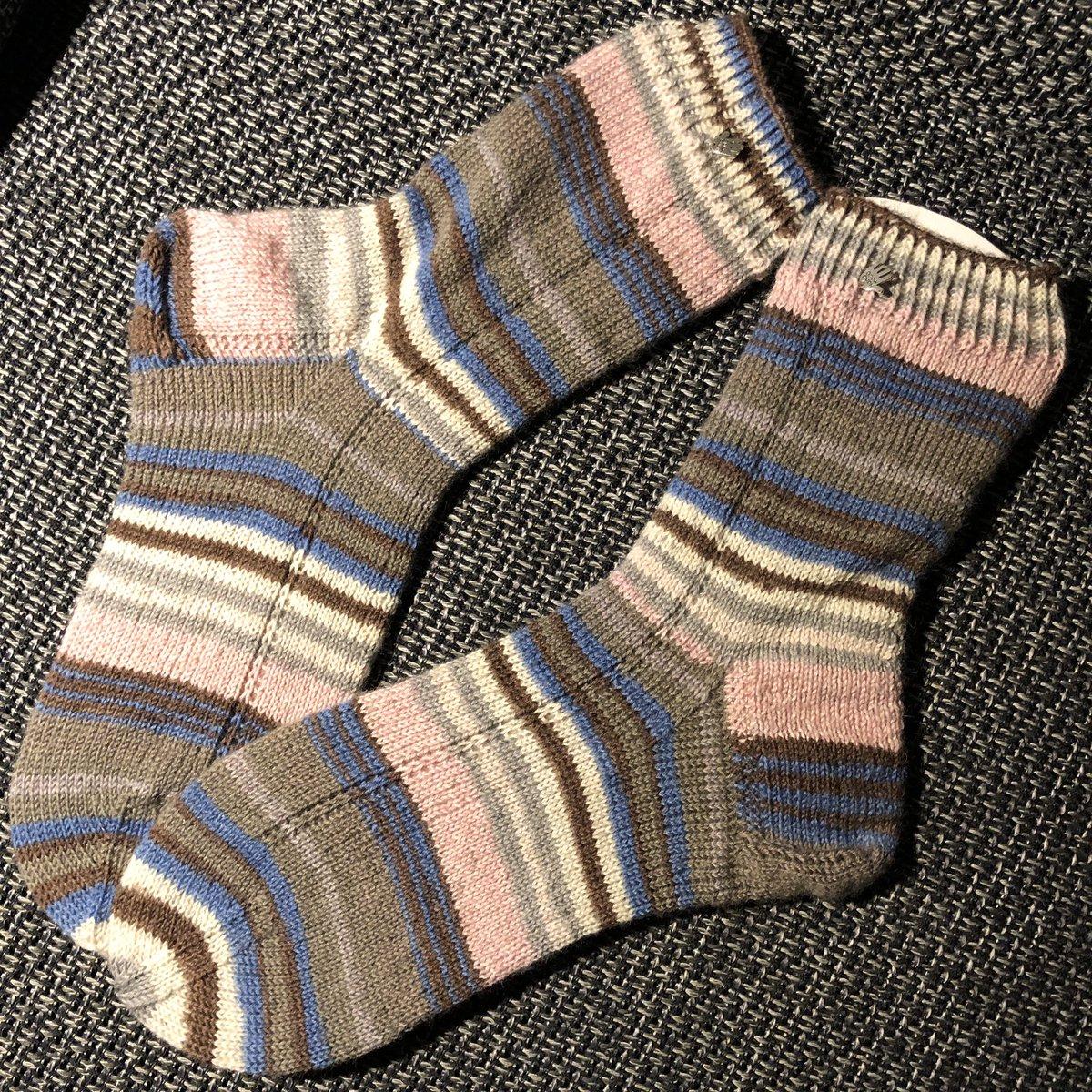 Socken für den Herrn Papa  Größe 44/45  Wolle ist von @lanagrossa meilenweit  #socken #stricken #sockenstricken #papasocken #knit #knitting #lanagrossa #knitwear #knitted #sockspic.twitter.com/KemCZu6kyS