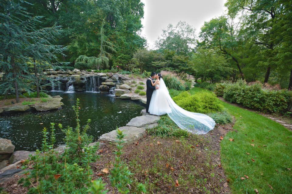 Our home venue, 2941 is surrounded by lush landscaping, koi ponds, waterfalls, world-class artwork, and a lakeside view.  Their landscaping is an oasis amidst skyscrapers.   #wedding #weddingplanner #weddingphotography #weddingvenue #naturalbackdrop #mealwithaviewpic.twitter.com/RwXsYbjqou