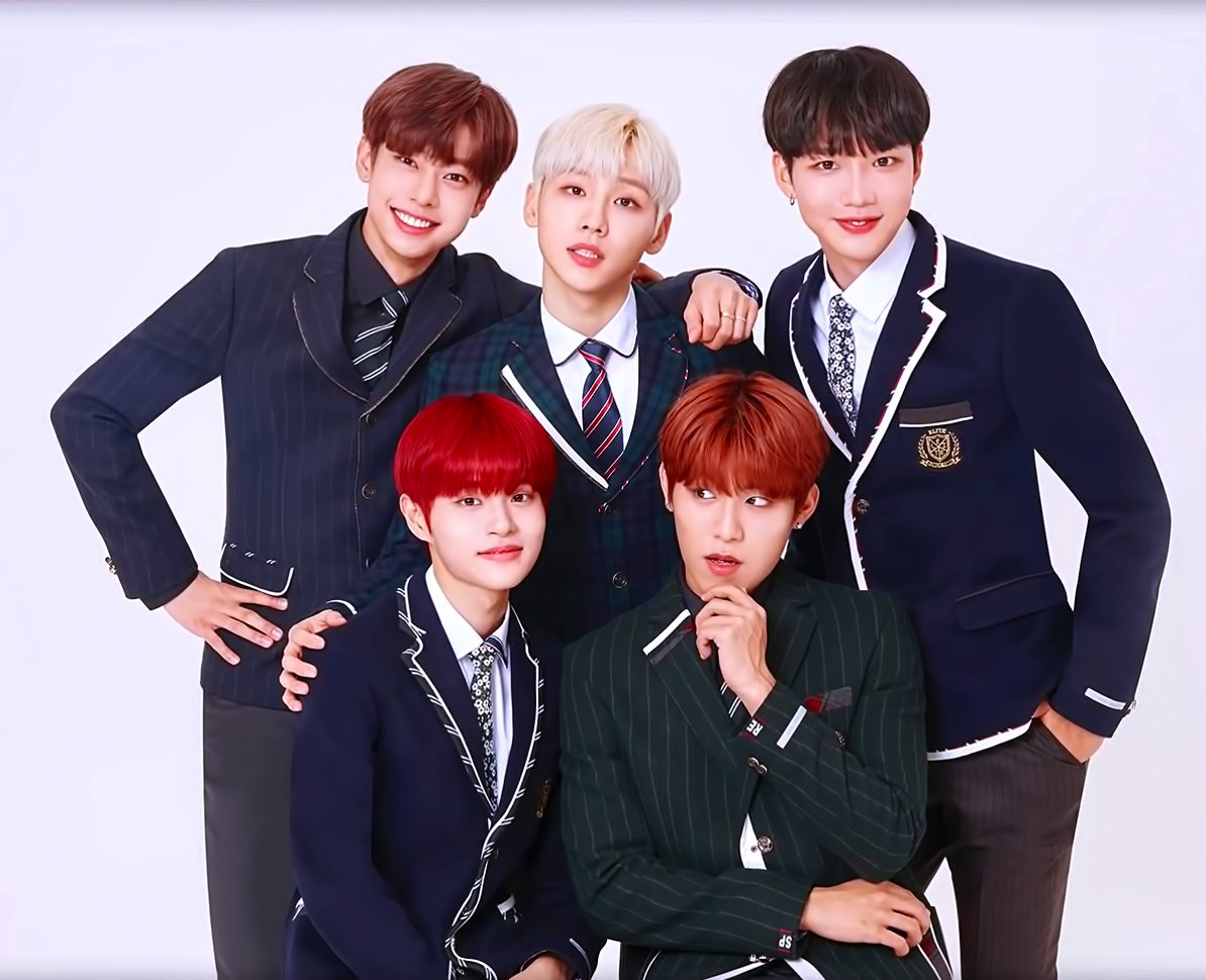 Throwback to the time in middle school. From wearing a real school uniform and now being a model of a school uniform, ELITE x AB6IX, don't forget to buy it and let's remember memories from school! pic.twitter.com/pDwt8N1ZOv