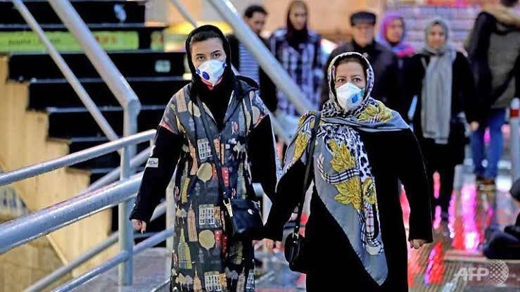 08) İran'da #COVID19 virüsü vaka sayısı 28'e, ölü sayısı ise 5'e yükseldi.  Virüs tespit edilen şehirler Tahran, Kum, Arak ve Rasht. Virüs nedeniyle Şii hacıların Irak'a yapacağı hac ziyaretleri de askıya alındı. #irancoronavirus  #Coronavirustruth  #Viruses