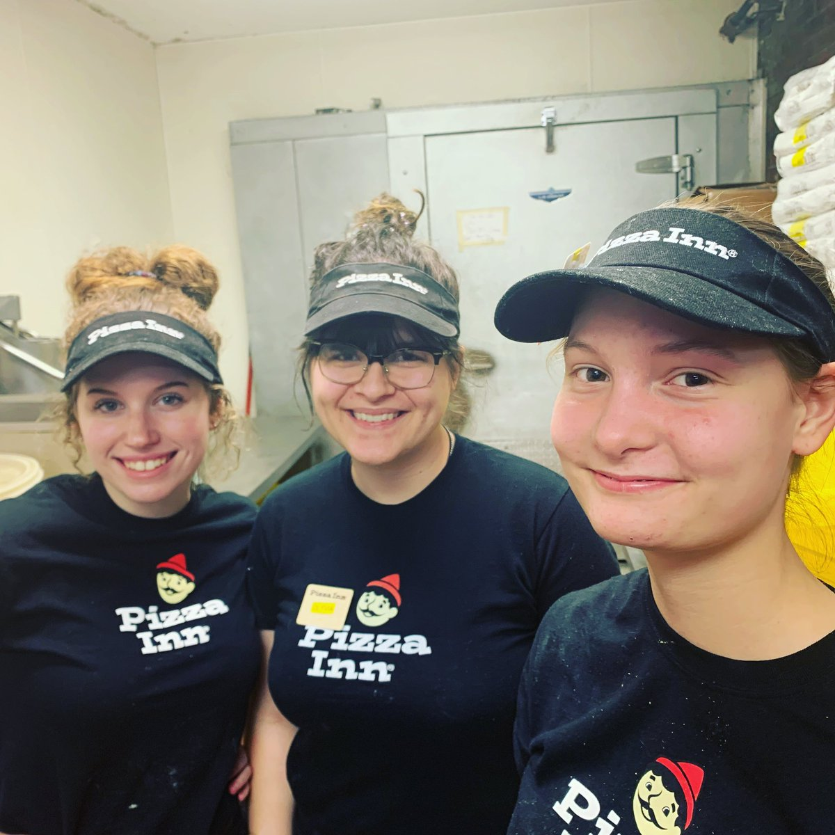 Weekends are for family and friends. Get your squad together and come and see us. 👧 👧 👧 🍕 🍕 🍕  #pizzainn #friends #family #weekendvibes #weekendvibesonly #thecrew #shanna #olyvia #makayla