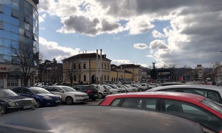 "PDP Banjaluka: Ko je kriv za izgubljeno zemljište ,,Stare autobuske stanice""? https://banjaluka24h.com/pdp-banjaluka-ko-je-kriv-za-izgubljeno-zemljiste-stare-autobuske-stanice/…pic.twitter.com/1wZhQd7jyZ"