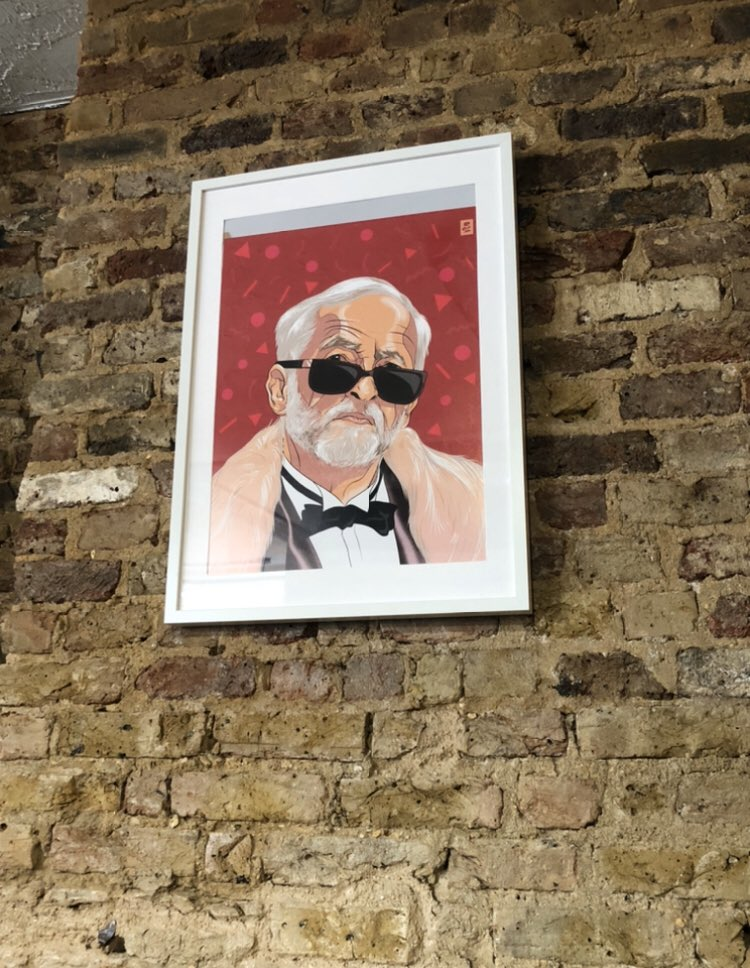 Absolutely gone at this painting of Jeremy Corbyn at Drury in Hackney, nothing but respect for MY president