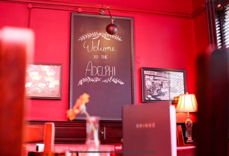 Weekend vibes🕺🏽why not stop by for some food and drink today?  #welcome #adelphi #sign #chalkboard #itstheweekend #weekendvibes #saturyay #food #beers #drinks #prosecco #wine