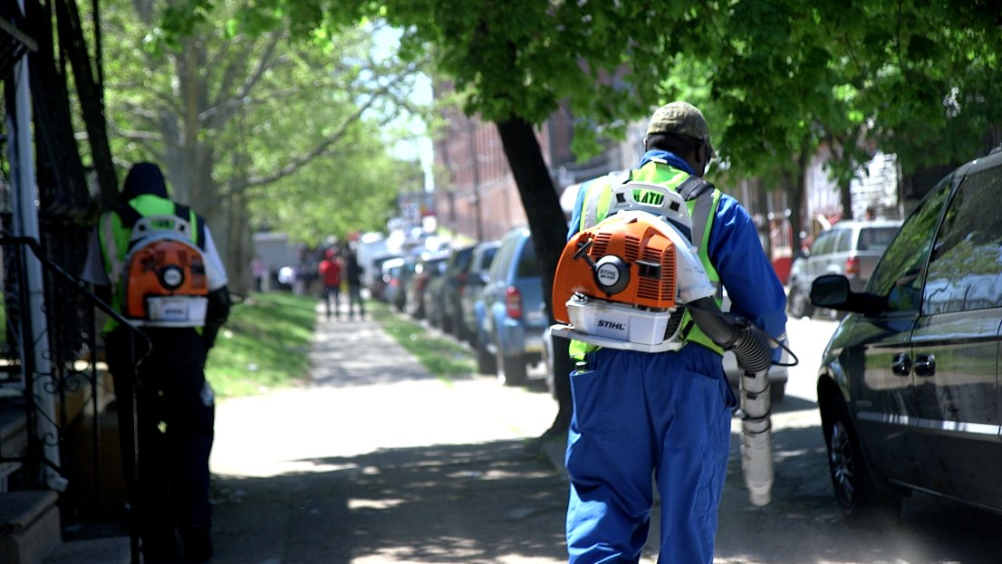 Why Philly's Streets Department is ending its experiment with leaf blowers dlvr.it/RQXZ2V