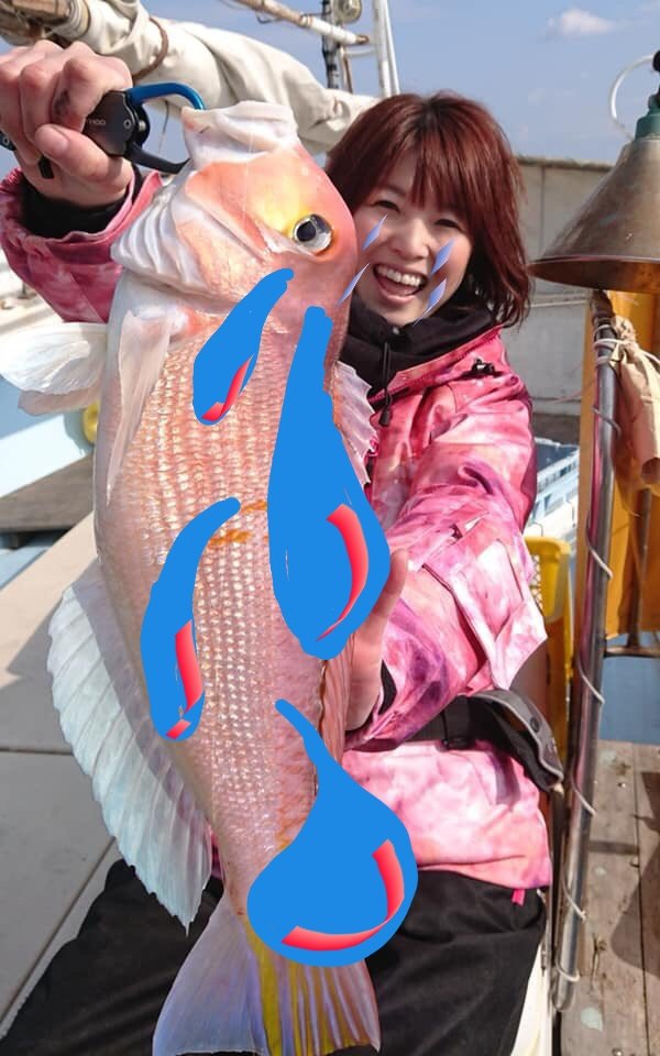 四平 座長 スギ 釣り 【驚異】堤防足元に寒天エビを落とし釣る凄い女子がきた!