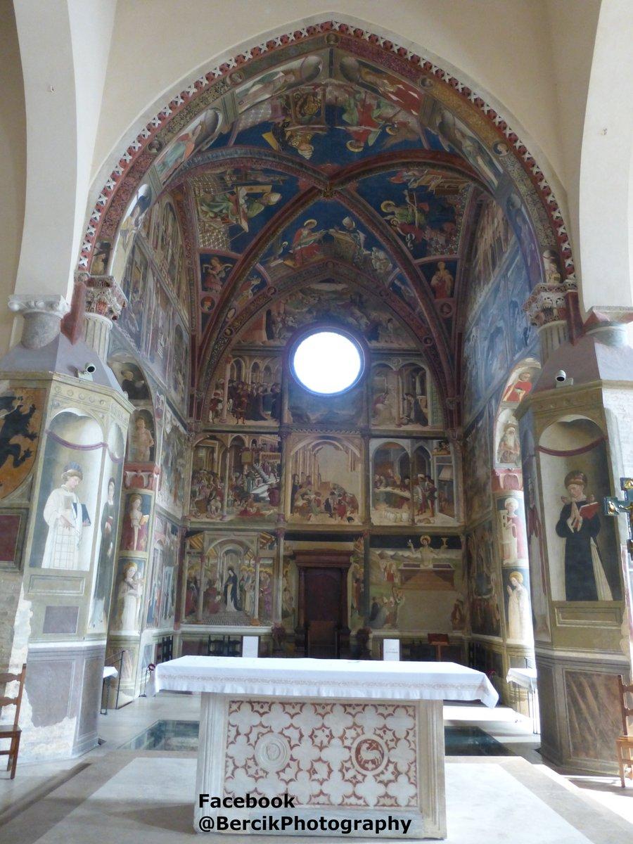 #Interior of #Atri #Cathedral (Italian: #Basilica concattedrale di Santa Maria Assunta) #Italy #Italia #Abruzzo #Scerne #photo #foto #zdjęcie #podróż #travel #viaggi #amazingplaces #F4F #church #architecture #art #arte #sztuka #interiordesign #Interiors #painting