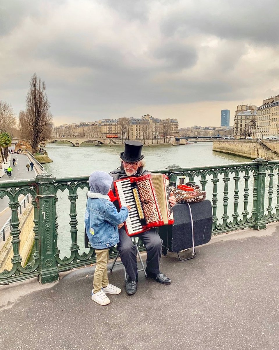 Happy Saturday! We wish you a fantastic weekend in Paris @milaxnyc http://shorturl.at/aefHK  #parisjetaime #paris #parisianlife #visitparis #igersparis #topparisphoto #photooftheday #beautifuldestination #travellingeurope #living_europe #weekendpic.twitter.com/FFqXwrSjfx