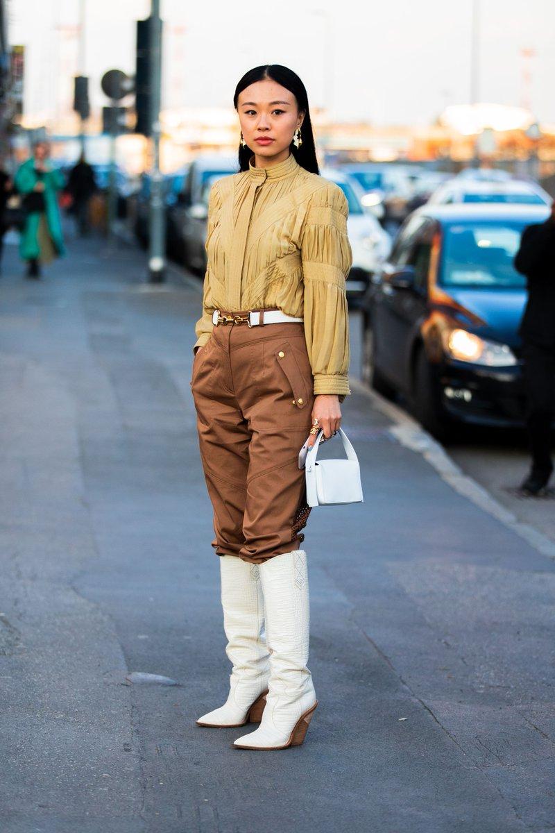 Street Style with Niki Wu Jie at Milan Fashion Week after the Alberta Ferretti runway show  . . . . . . #streetstyle #mfw #designer #fashion #street #milan #italy #italia #milano #photographer #photography #style #womenswear #womensfashion #women #beauty #rtw #powerful #fashi ...