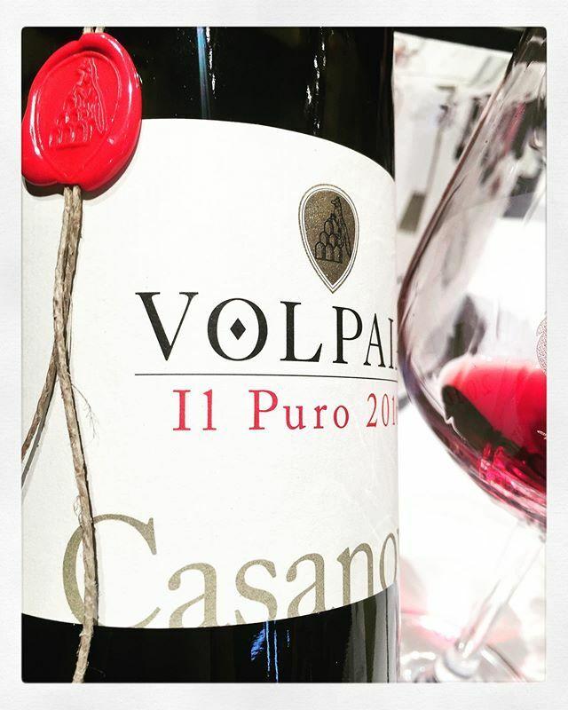 Fave. #appuntiditoscana #castellodivolpaia #chianticlassicocollection #ccc2020 #gallonero #winetasting #winelover #winetour #winerytour #winemakers #instawine #winestagram #winecountry #winepairing #winepassion #winelovers #wineries #vineyards #winepassi…