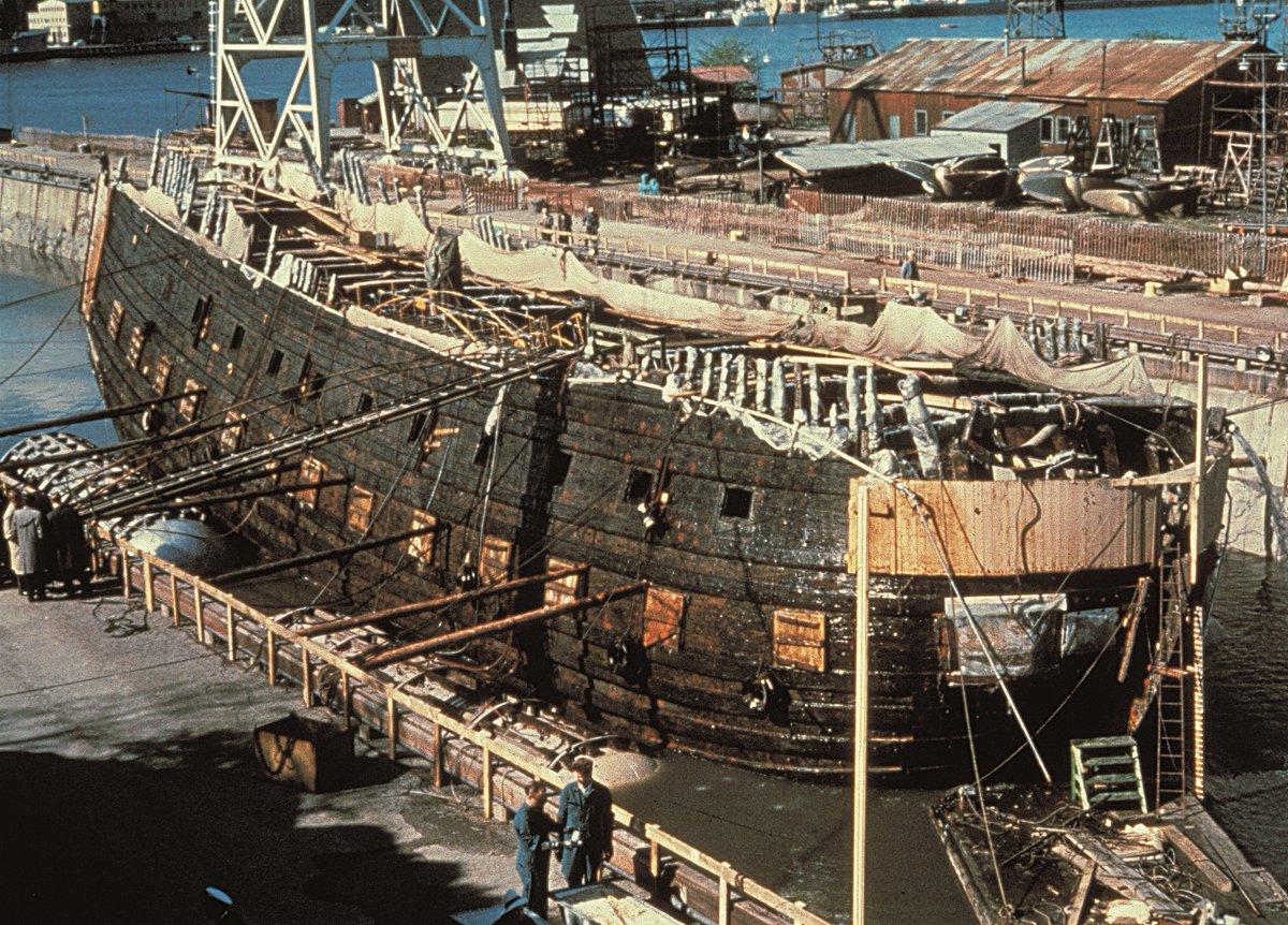 """ラインボーテ on Twitter: """"スウェーデンの戦列艦ヴァーサ号。1628年の ..."""