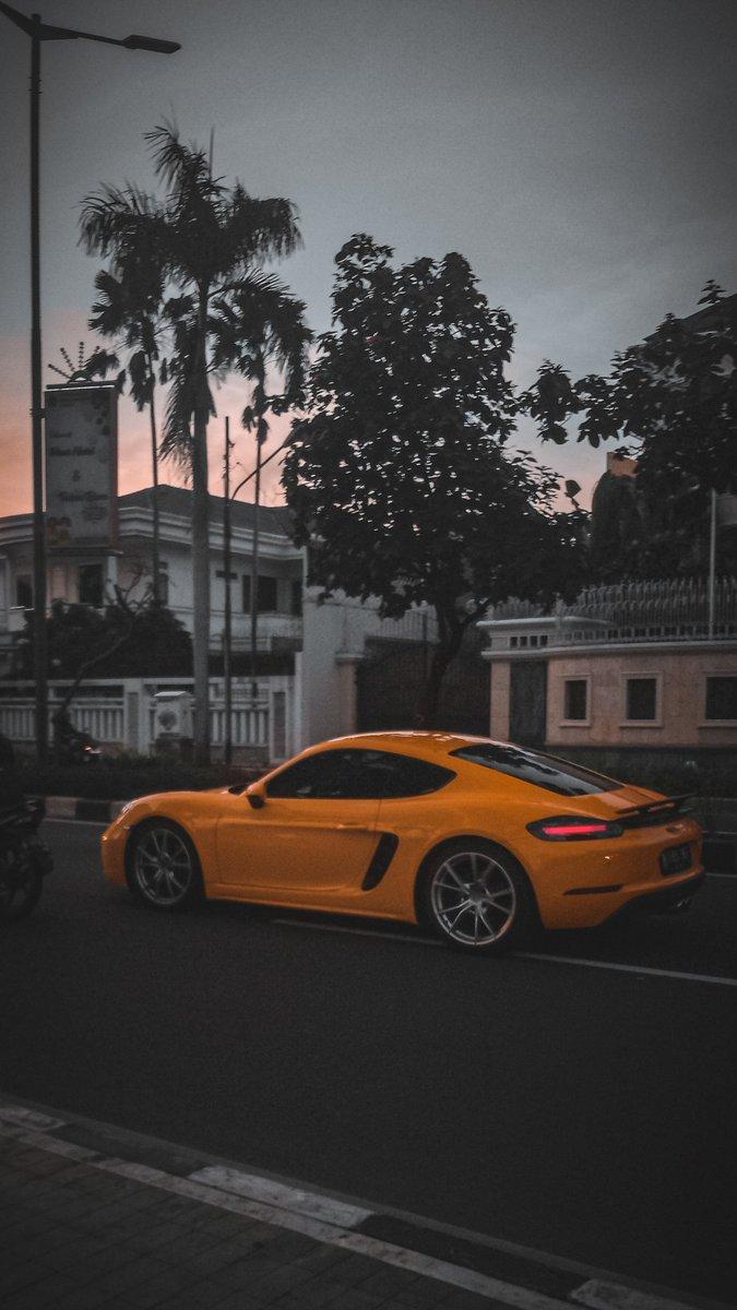 Black&yellow  #mobilephotography #lightroommobile  #pakehpdoangpic.twitter.com/mLp6eNVscs