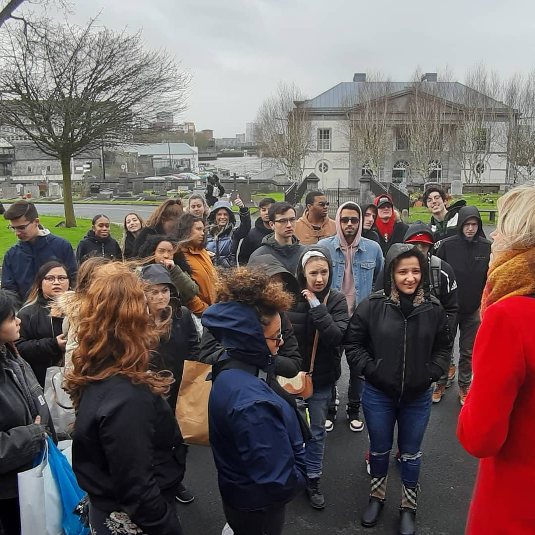 Our new group of Western Europe Semester students from @stjohnsglobal had a great day at @TheMilkMarket and @KingJohnsCastle with @holly_cowman showing them the beautiful @stmaryslimerick and telling them all about the history of Limerick :) @KennedyCepta @brecahill16pic.twitter.com/Au6BilQ0yi