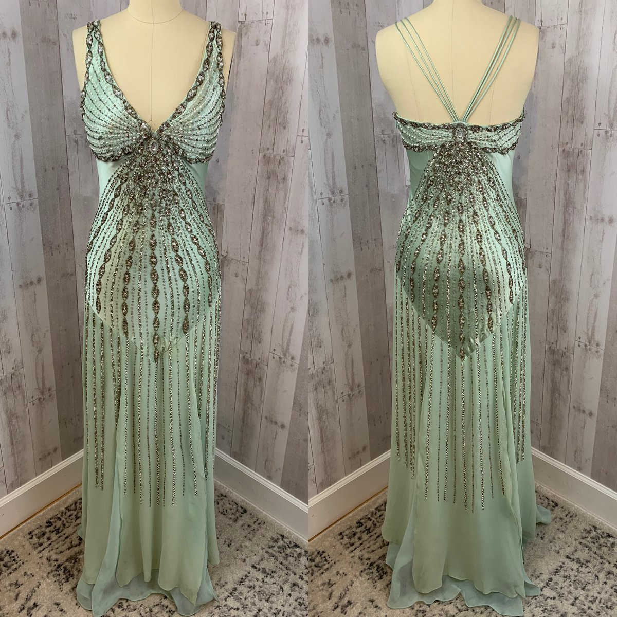 Shipping this stunning beauty off to its new owner today!  #hautecouture #couture #beaded  #vintage #truevintage #suewong #beadedsuewong #beadedgown #vintageandvelvetclothing #vintagefashion #vintagestyle #1940sfashion #retro #pinup #vintageclothing #vintageshop #vintagestorepic.twitter.com/K8q6koiPCi