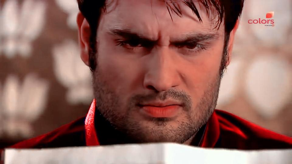 Replying to @Mahwish_VDian: #VivianDsena🐯 💔💔💔💔💔💔 When will u come back 😢😢