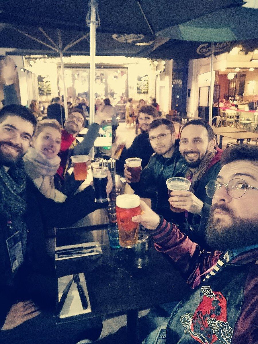 Après l'effort, le réconfort !    Nous partageons une bière  avec @leoblandin et @Max_Deker de chèvre édition #j2s #biere #jeudesociete #FIJ2020pic.twitter.com/GnSL9sXBD9