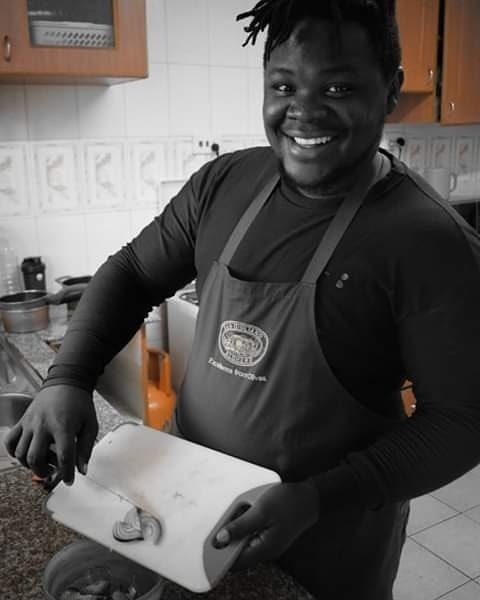 Yooh Kamwana is cooking tonight!! Few invites, Who wants to Taste his meal😋 #KisumusFinest