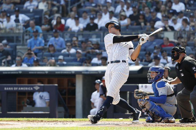 Mike Lupica's Shooting From the Lip | Aaron Judge can have Jeter-like impact on Yankees, if he's able to stay healthy https://trib.al/cAi7B3F @MikeLupicapic.twitter.com/371XxGfE3F