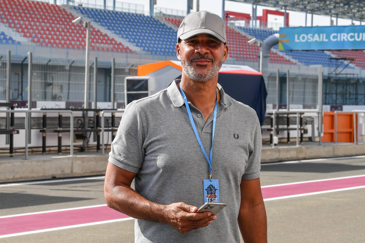 Great to have Dutch footballing legend @GullitR with us here at the #QatarTest ⚽️  Hope you're enjoying the action! 🙌 https://t.co/Sp1J0eKQ7J