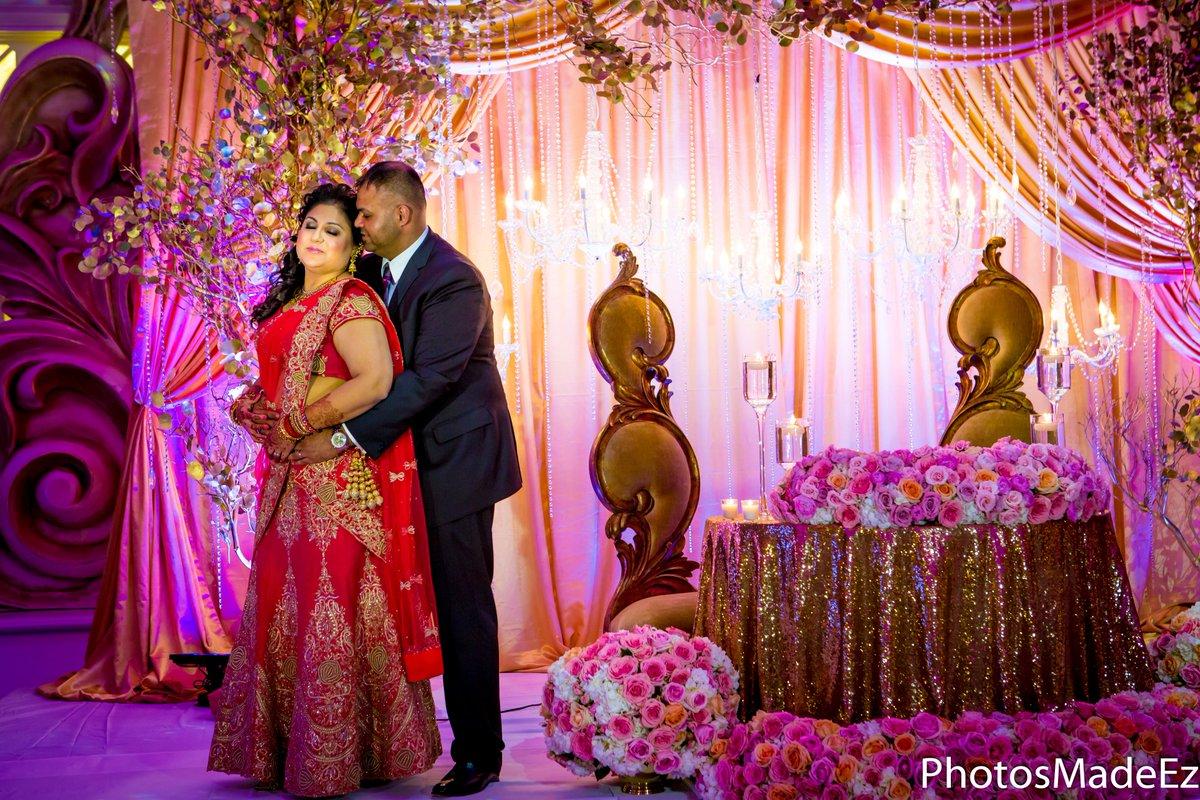 #weddingreception #punjabiwedding #Njwedding #indianwedding #brideandgroom #newjerseywedding #thevenetian #kmevents #weddingcoordinator #maharaniweddings #punjabibride #mua #gujaratiweddingcustoms #punjabiweddingphotographer #hinduwedding #bridesofsabyasachi #mcrescimbeniartistrypic.twitter.com/PvqTguBU7i